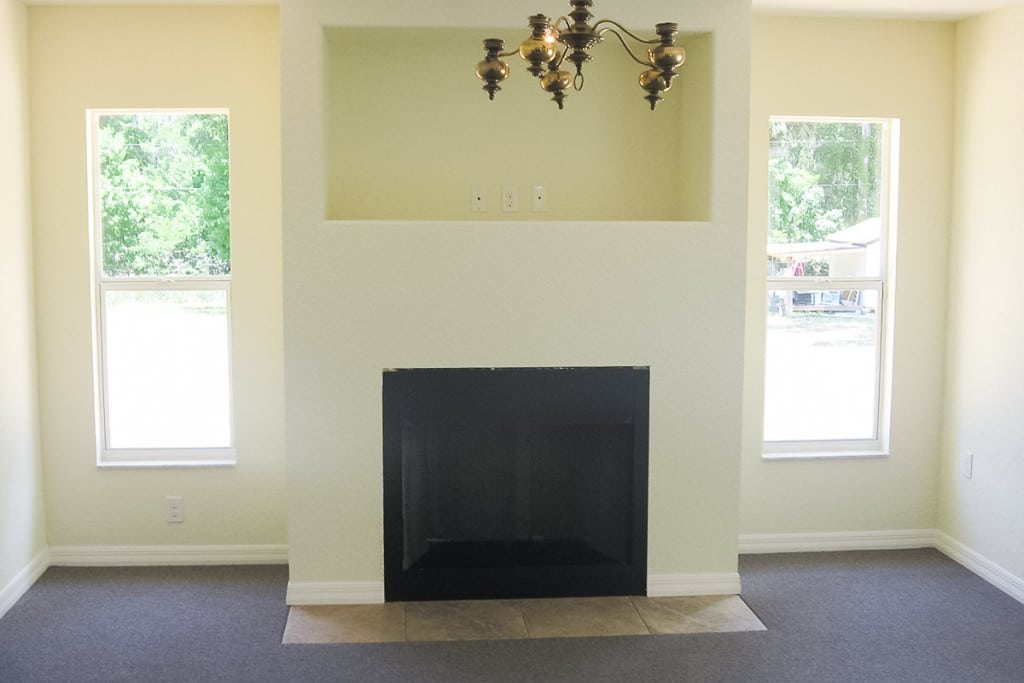 Hawthorne - Family Room Fireplace - Curington Homes - Ocala Florida Contractor