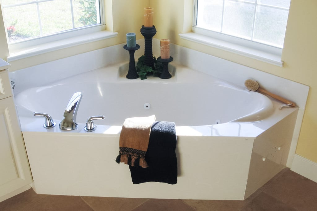 Wellington - Master Bathroom Garden Tub - Curington Homes - Ocala Florida Contractor