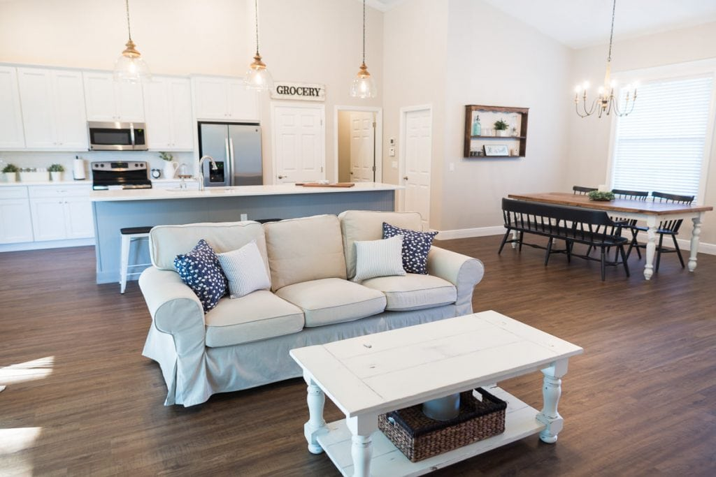 Curington Homes - Ocala Florida Home Builder - Sebastian Model Summerset Estates - Kitchen - Living Room