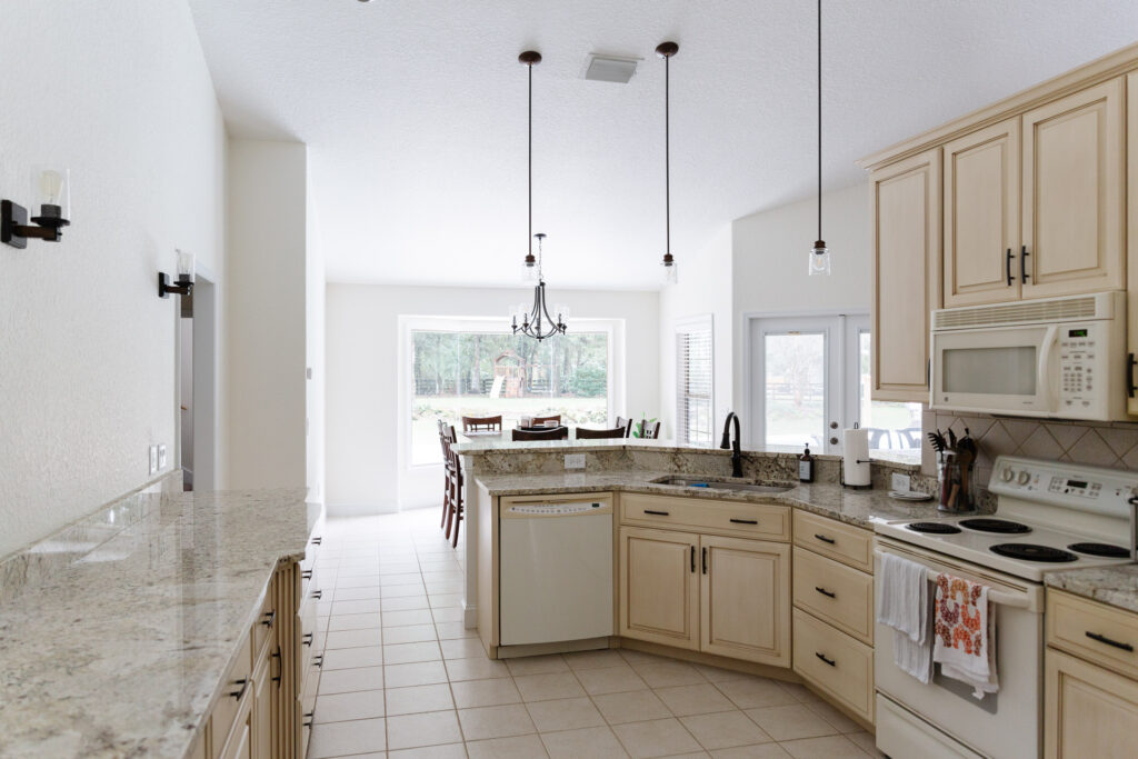 Custom Home Builder in Ocala Florida - Curington Homes - Drifton Kitchen